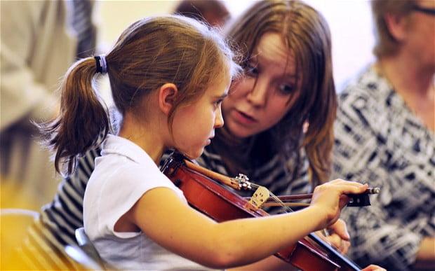 Aulas de Música Tornam as Crianças Mais Inteligentes?