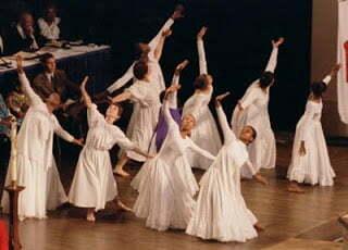 Salmo 150: Dançando no Santuário?