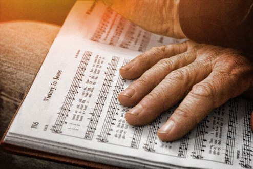 Por Que Devemos Continuar Usando Hinos em Nossos Cultos
